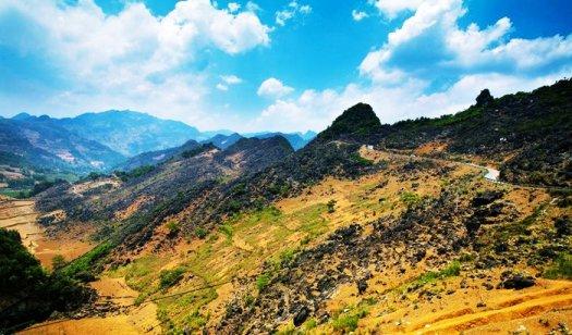 Plateau de Dong Van est le plus grand plateau rocheux au Vietnam